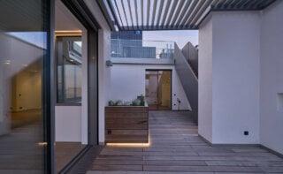 WINEGG-Makler-Eigentumswohnungen-Lehargasse-3-1060-Wien-Terrasse-Beleuchtung-Nacht